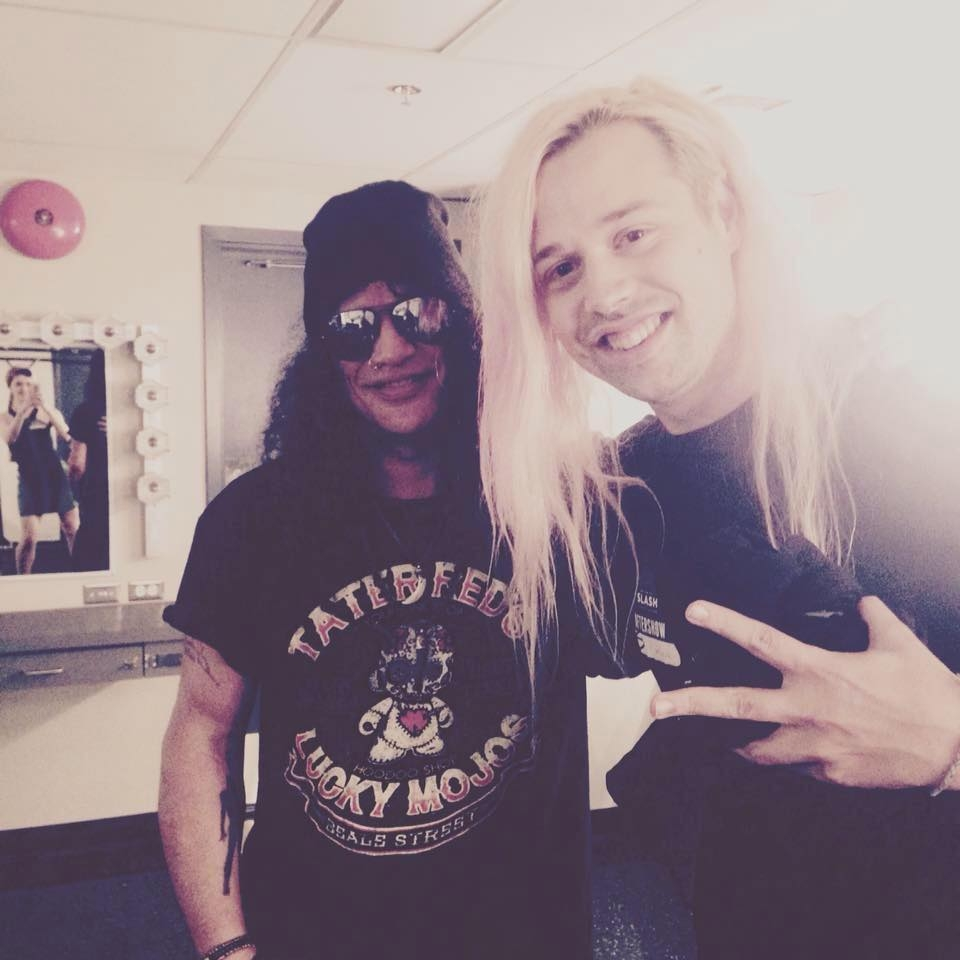kev with slash